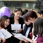 tan sinh vien lam thu tuc ho so nhap hoc 150x150 - Hướng dẫn thủ tục nhập học, hồ sơ nhập học đại học 2017